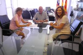Sant Antoni aporta 2.500 euros a APAAC para el programa psicosocial