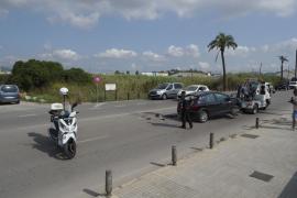 Colisión entre un coche y una moto en la avenida de Santa Eulària en Ibiza