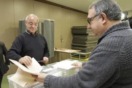 Una mesa de Sant Antoni amanece sin vocal y lo sustituye el primer  votante
