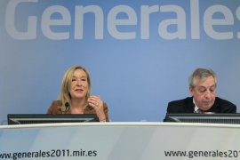 La subsecretaria del Ministerio del Interior, Pilar Gallego, y el secretario de Estado de Comunicación, Félix Monteira, durante