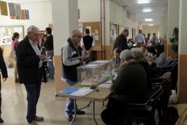 Tras la sobremesa, las votaciones han retomado un ritmo regular en los colegios electorales de Balears.