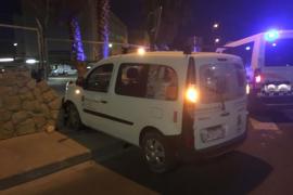 Cuadruplica la tasa de alcohol tras empotrarse contra un muro en Ibiza