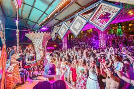 Woomoon dice adiós a una temporada más con llenazo en Cova Santa Ibiza
