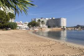Reabierta al baño la playa de Punta Xinxó tras detectarse un vertido de fecales