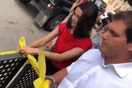 Rivera y Arrimadas retiran lazos amarillos en Barcelona