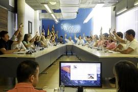 Unanimidad en Sant Antoni para poder multar a quien consuma 'gas de la risa' en la vía pública