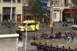 Apuñalamientos en la estación de tren de Amsterdam
