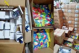 La Guardia Civil interviene más de 53.000 cápsulas de 'gas de la risa' y miles de dosificadores en Sant Antoni