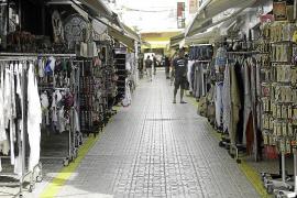 Sant Antoni reconoce ante los comerciantes el «error» de la intepretación de la ordenanza de comercio
