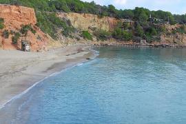 La Guardia Civil investiga el hallazgo de un cadáver flotando en Cala Llenya