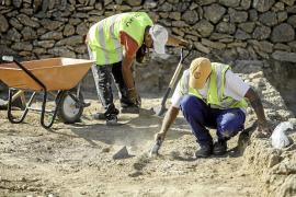 Las obras de la carretera de Santa Eulària sacan a la luz nuevos tesoros púnicos
