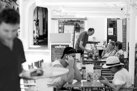 Campaña de inspección del Govern contra panaderías que ejercen de bar