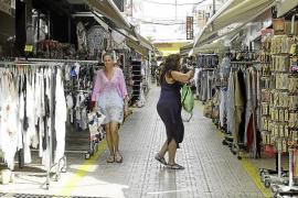 El PP denuncia que Sant Antoni tiene «abandonado» el comercio local y legal