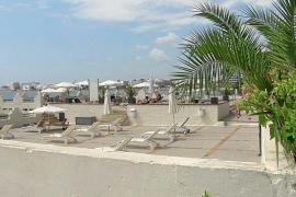 En estado crítico una joven británica semiahogada en una piscina de Ibiza