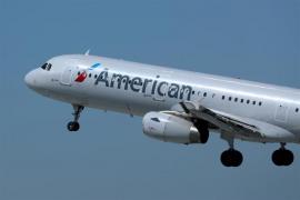 Dos vuelos procedentes de Europa aterrizan en EEUU con al menos 12 pasajeros enfermos