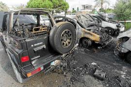 La Policía investiga el incendio de siete coches en es Viver