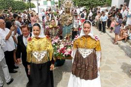 Misa, ball pagès y desfile de carros para celebrar el día grande de Jesús