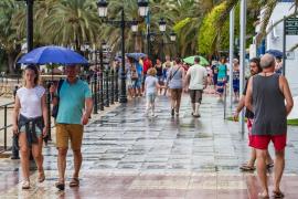 La AEMET prevé chubascos y tormentas «muy fuertes» hoy en las Pitiusas