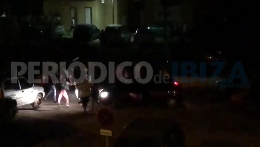 Vídeo | Pelea de madrugada en Ca n'Escandell