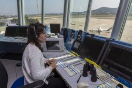 Enaire espacia los aterrizajes en Ibiza por la tormenta