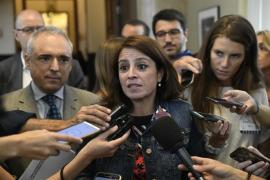 El PSOE pide la dimisión de Casado por su máster