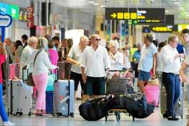 El aeropuerto de Ibiza cerró agosto con 1,3 millones de pasajeros, un 3,2% menos que hace un año