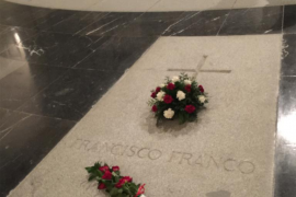 El Congreso avala el decreto para exhumar a Franco, con la abstención de PP y Cs