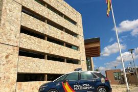 La Policía Nacional detiene a un «tironero» autor de media docena de robos en Ibiza