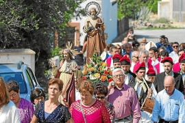 Sant Mateu suma a sus fiestas una muestra de enaguas y un concurso de fotografía