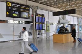 Instan a estudiar el tiempo medio de paso en los controles de seguridad de los aeropuertos de Baleares
