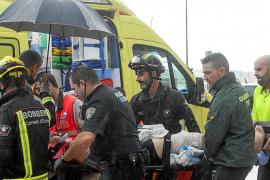Recibe el alta médica el joven que se clavó una sombrilla tras caer desde un cuarto piso