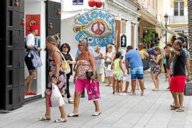 Los turistas valoran con un 8,2 su experiencia en Ibiza según un estudio encargado por el Consell