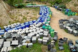 Sant Antoni tiene tres meses para retirar los viejos contenedores de basura de sa Pedrera de Can Coix