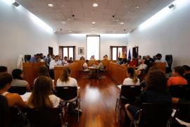 El PP de Ibiza denuncia que ha habido seis vertidos en el puerto este verano