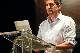 César Bona: «Hay que trabajar con los niños para que entiendan que pueden ser felices respetando nuestras diferencias»