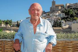 Damien Enright: «Lo único que buscaba era comprar más tiempo en esta isla mágica»