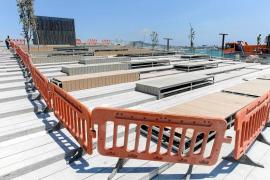 """La plaza de es Martell del puerto de Vila se convierte en espacio """"solo para peatones"""""""