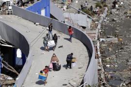 Aumentan a 832 los muertos por el terremoto en la isla indonesia de Célebes