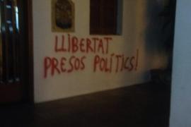 Aparecen pintadas independentistas en Formentera