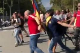 Detenido el independentista que golpeó el sábado a un manifestante de Jusapol en Barcelona