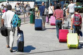Las Pitiusas pierden 21.000 turistas hasta agosto por la bajada del turismo alemán, británico e italiano