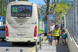 Quejas de familias por los problemas del transporte escolar en las rutas de Sant Josep