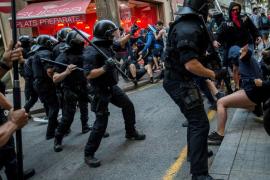 Tensión entre dos manifestaciones en Barcelona