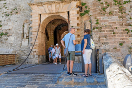 'Benet' resta importancia al descenso turístico de agosto y espera al dato anual