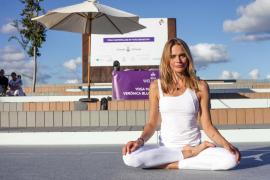 La masterclass de yoga en el Puerto de Ibiza, en imágenes (Foto: Daniel Espinosa).