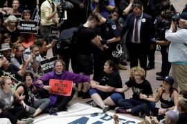 Más de 300 detenidos durante las protestas contra Kavanaugh en el Senado