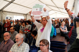 Consuelo Ordóñez irrumpe en un acto por los huidos de ETA y pide «justicia»
