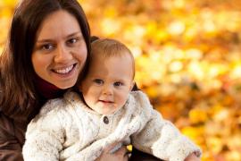 La adorable charla de una madre y su bebé que encandila a todo el mundo