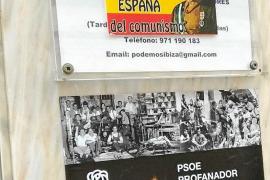 Pegan carteles franquistas contra la exhumación del dictador en las sedes del PSOE y de Podemos