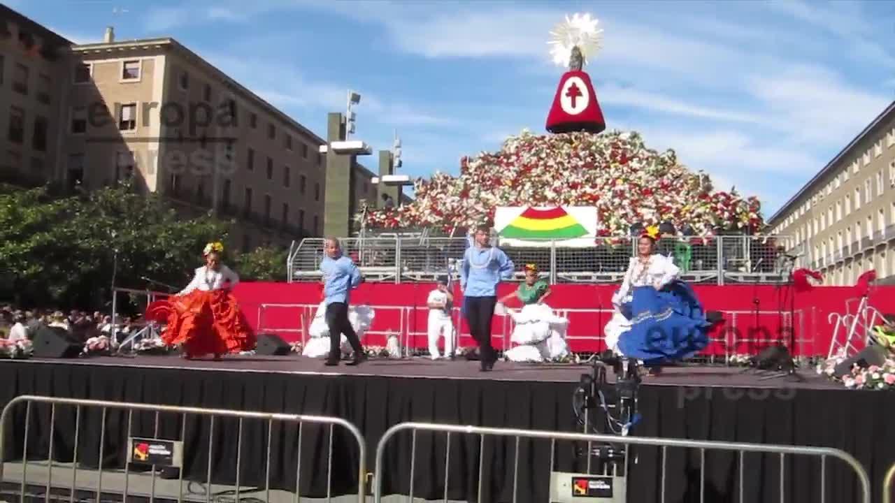Más de 80.000 personas han participado ya en la Ofrenda de Flores a la Virgen del Pilar